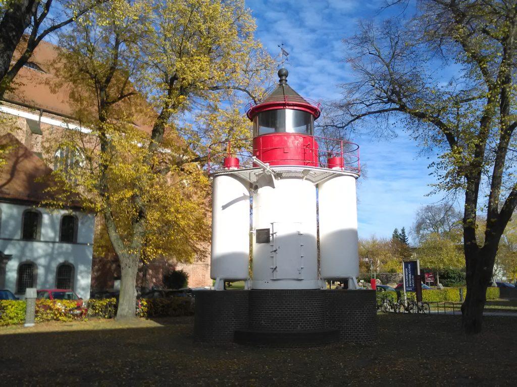 Leuchtturm vor dem Musuem Fürstenwalde